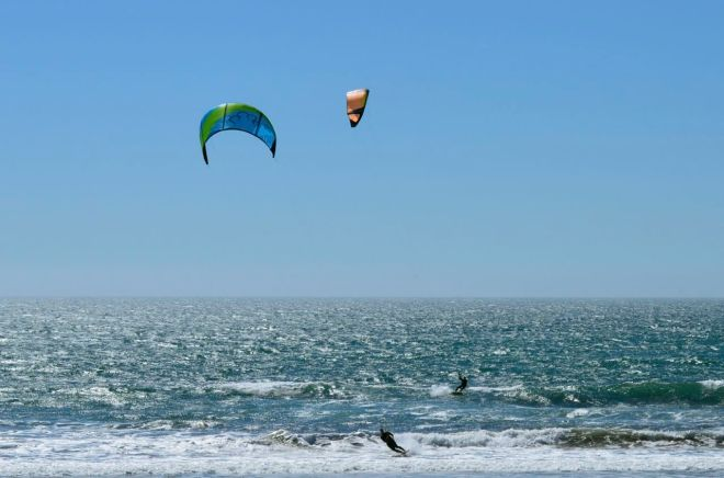 Dos Wind surfers 2