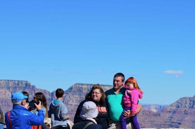 Family of three posers South Rim