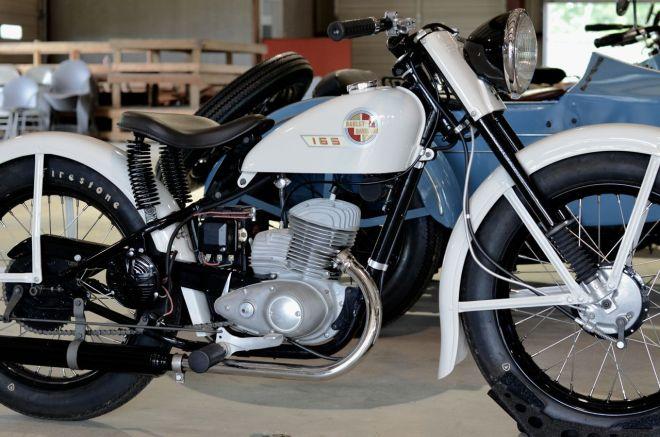 Harley-Davidson 165